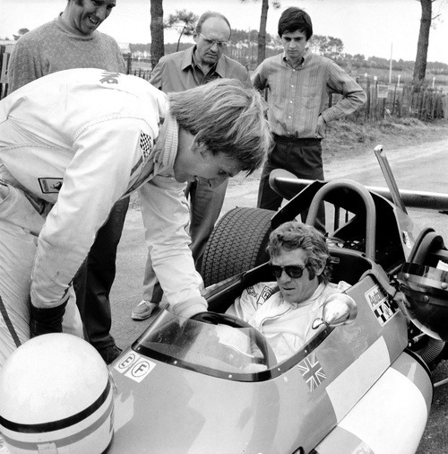 Steve McQueen and Derek Bell, on the Brabham F2 car (1970)