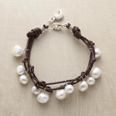 lemonadeandivy:  bracelet bliss ~ pearls & leather charm  love the little crescent charm!