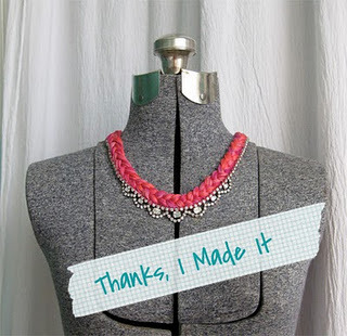 (via Thanks, I Made It: The Odd Couple: DIY Sparkly Embroidery Thread Necklace)