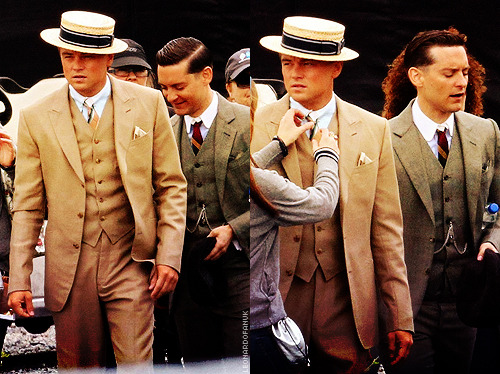 chemicalburned:   Leo and Tobey on the set of The Great Gatsby  OH MY FUCKING GOD