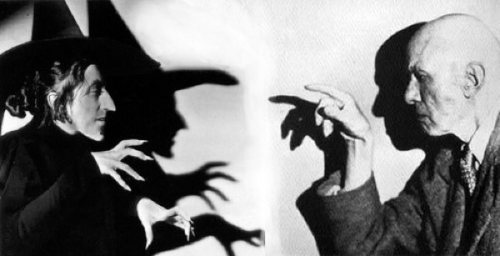 When Aleister Crowley met the Wicked Witch Sadly, this image isn't real, but just a bit of photoshoppery by coffin_person on Flickr, but I can pretend. Via