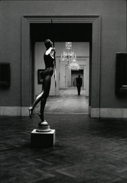 "csebastian:  ""Diana"" photographer: Elliott Erwitt New York, 1949 Herbert F. Johnson Museum of Art // sjloves:pushthemovement"
