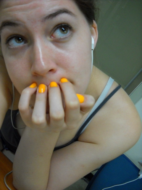 Halloween manicure! Even if Halloween is not celebrated in this country lol.