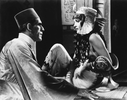 The Mummy (1932) Boris Karloff with Zita Johann (via Dr Macro's: Boris Karloff-Annex2)