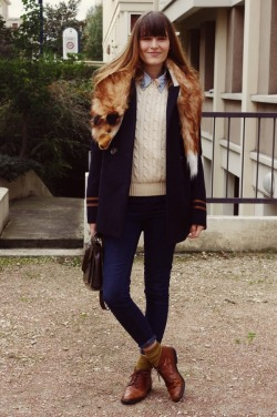 I want to recreate that faux-fox stole! calivintage:  lady moriarty.