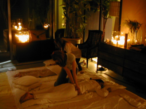 holistichands:  a shiatsu massage, notice that the receivers are still fully clothed. You don't need to be undressed to receive the healing benefits of massage