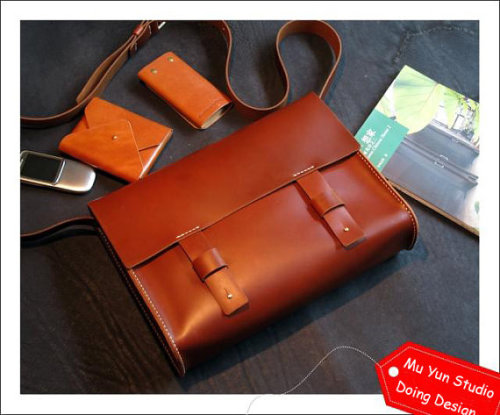 (via NEW Leather Messenger / Shoulder Bag / Laptop Bag by MuYunStudio)  I'm gonna spam leather for a while, sorry guys.