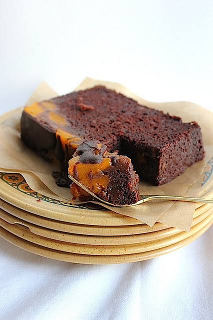 fattiesdelight:  Moist Mango Upside Down Chocolate Cake