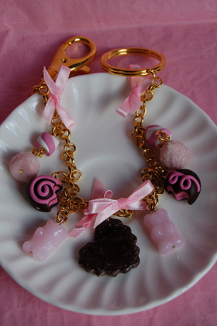 Pink bag charms by Sugary.it on Flickr.