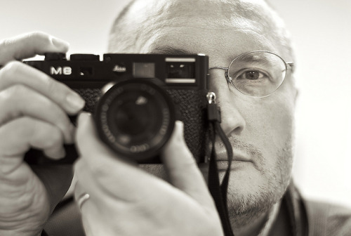 20110915_L1008623 on Flickr. Via Flickr: Self portrait shot in mirror, flopped in Phototshop. In case you ever wondered what the eff I look like, this sorta shows.