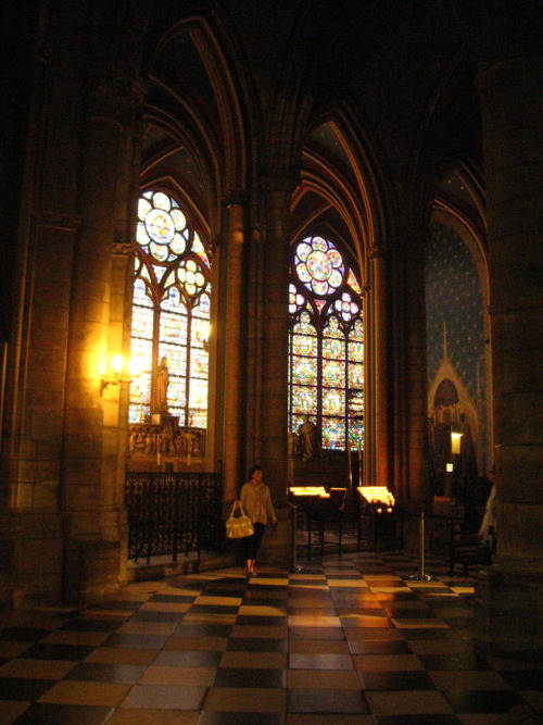 A chapel with beautiful stained glass and a starry decor in Notre Dame. Stained glass 1260s-1270s. Photo ©stainedglassforever.