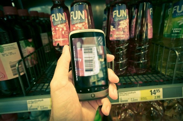 Mobile and the rise of the smart buyer | GigaOM 27% of US smartphone users will use the device during in-store holiday shopping: A new Deloitte survey (Oct 26) of 5,000 U.S. consumers says of the 42% of consumers who own a smartphone, 27% will use the device while shopping for the holidays. 67% of these shoppers will use the devices to find store locations, 59% to compare prices, 46% to check product availability, 45% to shop at online stores, and 40% will scan bar codes.