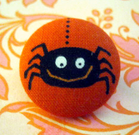 Halloween spider fabric covered button Brooch Pin on Flickr.  Happy Halloween!