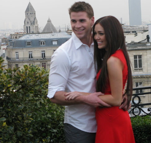 daw-n:  theyre engaged! and so perfect