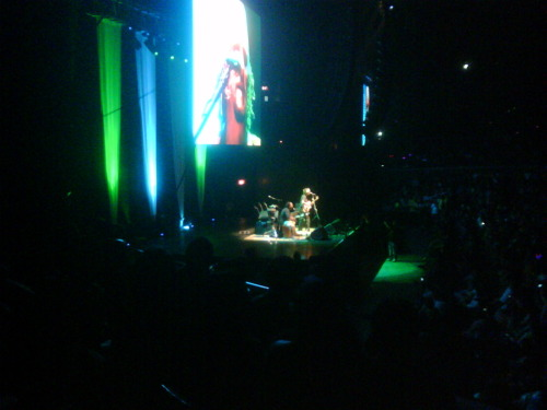 Jason Mraz and Toca Rivera Live in Manila
