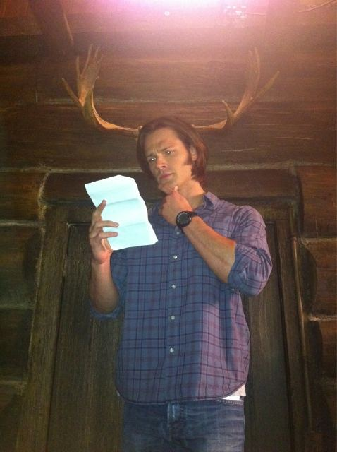 (via On set studying my lines… Happy Halloween everybody!! Any ideas for a costume for me? I can't think of any…)