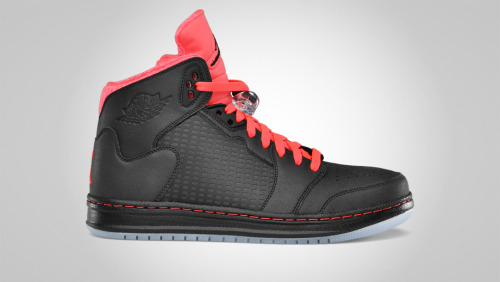 What do you guys think about these Jordan Primes? Make sure you check out NiceKicks.com for the November line up from Jordan. Still looking forward to gettin' my hands on those black cement 3's.