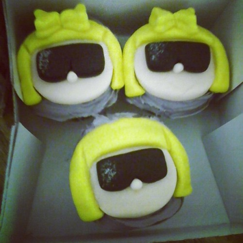 These Lady Gaga cupcakes are almost too cute to eat… almost.
