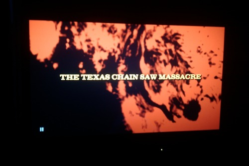 Halloween Hype 2011, Pt. XXI The Texas Chainsaw Massacre [1974 / Tobe Hooper / *****] Finally, some darkness surrounds the TV set pictures I'm taking. This is what was on while the trick-or-treaters rang the doorbell. I've seen this so many times by now that it's fun to focus on specific elements of the film. This time, the score really stood out for its distached awesome eeriness.