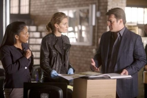 "I'm utterly amazed! Gates seems to be paying attention to Castle. By the looks of it, especially Kate's photos, ""Kill Shot"" is gonna be a great episode!"
