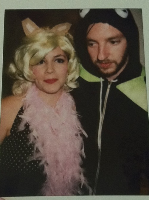 Mimi Vilmenay and beau as the puppet power couple, Miss Piggy and Kermit the Frog. Photo by Ameen Belbahri