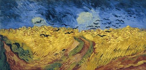"""Ressam: Vincent Van Gogh (1854-1890) Resim: Wheatfield with Crows (1890) Nerede: Van Gogh Museum, Amsterdam, Hollanda Boyutu: 50,2cm x 103cm Van Gogh'un son resmi olduğunu zannedilen ama aslında son resmi olmayan """"Wheatfield with Crows"""" yani """"Kargalarla Buğday Tarlası"""", Van Gogh'un sanatında adeta patlama yaşadığı son 4 yılında belki de kasvet içeren tek resmidir. Bu yüzden de intihar etmeden önce, bu resmi yaptığı düşünülür. Belki de resimleri bu şekilde anlamlandırmayı çok sevdiğimizden. Bu resmi 10 Temmuz'da tamamladığını söyleyen bir notu var. Vefat ettiği 29 Temmuz'dan önce tamamlanmış olduğu tahmin edilen 3 resim daha var, biri 14 Temmuz tarihli. Sonuçta, ihtihar etmesine günler kala tamamladığı resimlerden biri olduğu gerçek. Van Gogh, kulağını kesmesi ve Gauguin'i çıldırtmasının ardından, Arles'i terketmek zorunda kalmış, Theo'ya yani Paris'e yakın Auvers'teki Saint Remy hastanesinde kalmaya başlamıştı. Bu manzara da Auvers'den. Özellikle bu resimden değil ama, genel olarak buğday tarlalarını konu ettiği resimlerinden Theo'ya mektuplarında bahsetmişti. Mavi gözyüzü altında sarı buğday tarlaları, yarattığı kontrast ile çok ilgisini çekiyordu. Kızgın gözyüzü altında, rüzgardan şişmiş buğdaylar enginlik hissini çok iyi veriyordu. Bunun yanlızlığını ve üzüntüsünü çok iyi ifade ettiğini düşünüyordu. Ama karamsar anlam çıkmasını istemiyordu bundan, buğday tarlalarının ve bu açıkhava manzarasının ona çok iyi geldiğini de ekliyordu. Bu resim de Van Gogh'un çift kare olarak adlandırılan, yatay resimlerinden. Boyu, eninin iki katı olan kanvasları son zamanlarda severek kullanıyordu. Uzmanlar yıllardır resimdeki kargaları ölümün habercisi, ufukta bitmeyen yolu kaybolmuşluk, yer ve gökyüzünün birbirine karışmasını buhran olarak yorumladı durdu. Birden fazla ışık kaynağı olmasını anlamlandırmaya çalıştı, biri ay ya da güneşse, diğeri neydi? Bilemeyiz ki… Belki de bu sadece Van Gogh'un şahit olduğu enfes manzaralardan biriydi. Temmuz'da, hasat zamanının tam da ortasında, """