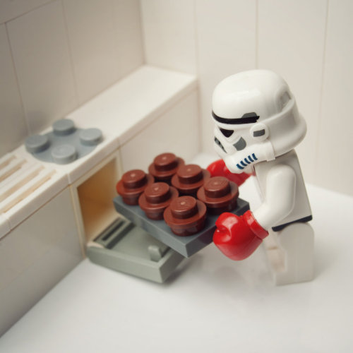 thefangirlingrey:  Star Wars + Legos + Cupcakes = Win.