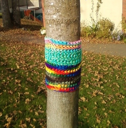 1st day of 21 day of Yarnbombing. You can check out more information about Twilight Taggers project on my yarn bombing page here