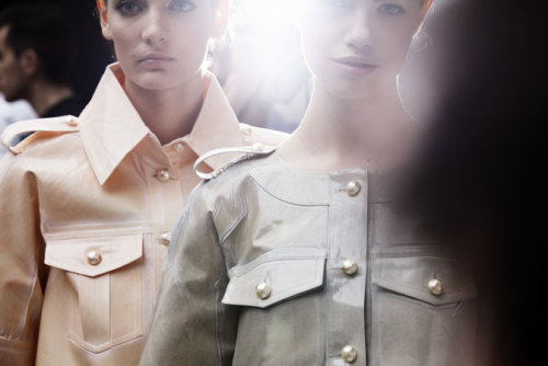 peacelovechanel:  Backtage at Chanel Spring/Summer 2012 Ready to Wear