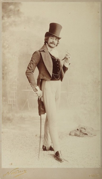 hurrahvictoriana:  holdthisphoto:  Man with top hat, Paris, 1890 by Felix Nadar  Dapper as.