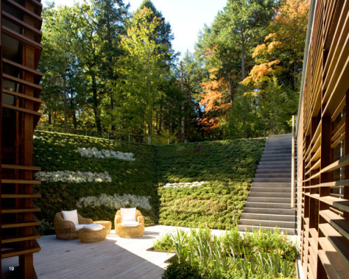 remash:  lakeside retreat | courtyard ~ peter gluck and partners