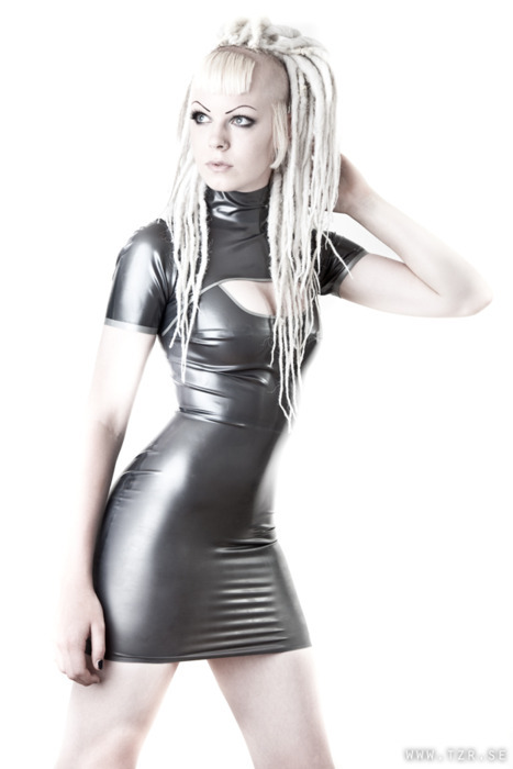 landoflatex:  carpoftruth:  Loving that silver latex.  Land Of Latex - Very Nice