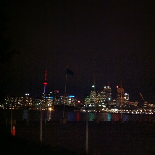 Toronto skyline #instagood #instadaily #iphone }#iphone  #igerstoronto #skyline  (Taken with instagram)