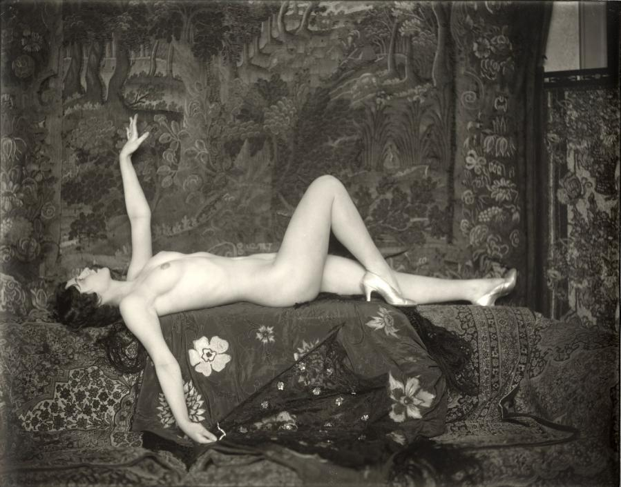 maudelynn:  Ziegfeld Girl by Alfred Cheney Johnston