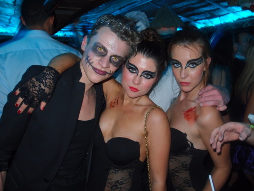 We all had a Rocky Horror Halloween at Mahiki!!! Our hunks and honeys attracted a host of fitties from across the capital as we celebrated the night before All Saints day. Our Tiki wonderland revealed it's dark underworld for one night only, serving the darkest cocktails for the occasion. We just want to say a BIG thank you to Angels Fancy Dress for arranging all the fabulous costumes for the Mahiki team!!!