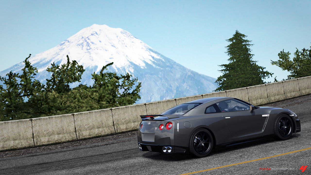 Forza Motorsport 4 (Xbox 360) Climbing up twisty Japanese mountain roads, in a Nissan GT-R, with Mt Fuji in the background. Nothing more to say about that.