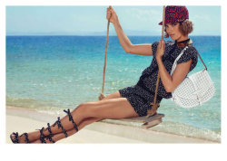 (via Arizona Muse for Louis Vuitton Cruise 2012 Campaign by Mark Segal)