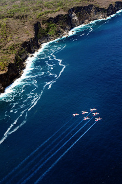 Jupiter Aerobatic Team - flying on Bali Coast | Bali - Indonesia (by Kusri Hatmoyo)