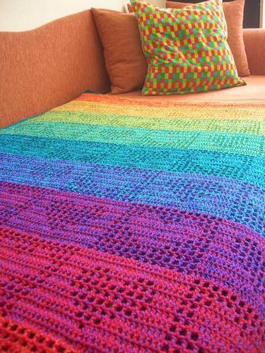 faesissa:  (via Rainbow Hearts Filet Crochet Afghan / Curtain - CROCHET) This is the type of thing I'd like to make one day. And possibly earn money from it.