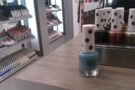 Manicure Trend Du Jour — Chicago Blues