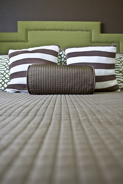 "Another great DIY upholstered headboard post. (via 4 Men 1 Lady: DIY Upholstered Headboard w/ ""damn-it"" tacks..)"