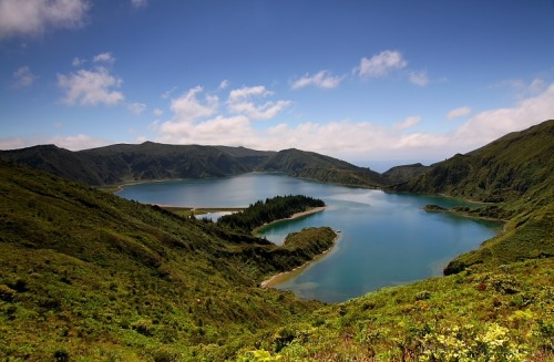 (via Lagoa do Fogo)