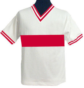 Accrington Stanley 1962 Retro Sick Kit spotted online by @Arishthegeesh. Simple is SICK.