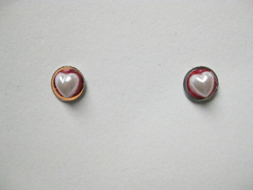 Red Pearl Heart Earrings http://celebritybeadbracelets.com/