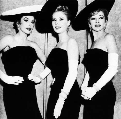 Taina Elg, Mitzi Gaynor and Kay Kendall in Les Girls (1957)