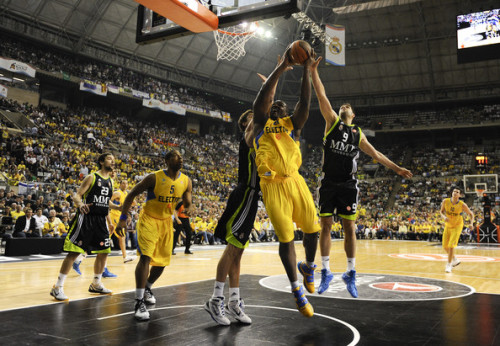 Maccabi Electra (Tel Aviv) against Real Madrid in the Euroleague basketball tournament.