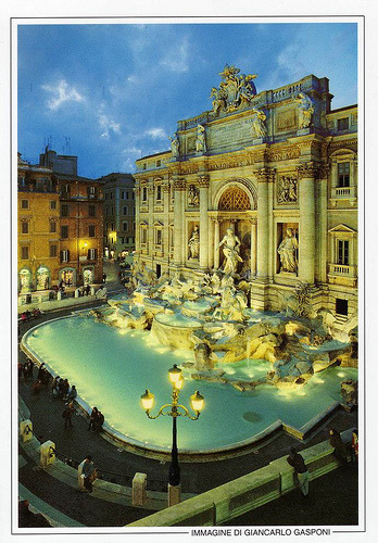 Beautiful shot of the Trevi Fountain in Rome, Italy (by jasmine8559)