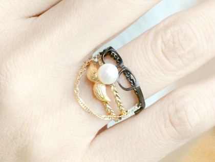 tomecco:  glasses & mustache ring