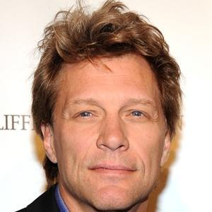 "bonjovi-news:   The rumors that Jon Bon Jovi wants to buy into an NFL team just won't pass. The rock star and New England Patriots owner Bob Kraft had a ""business meeting-style"" dinner, according to onlookers, at Harry Cipriani on Fifth Avenue on Wednesday night. A spy told us, ""Bon Jovi has flirted with buying into an NFL franchise, and it looks like he was getting some advice from Bob."" Earlier this year, it was reported Bon Jovi was in talks to buy into the Atlanta Falcons  Read more: http://www.nypost.com/p/pagesix/business_huddle_4OcoFEfDYvWc8TyBtWqGsL#ixzz1ckMVN200"