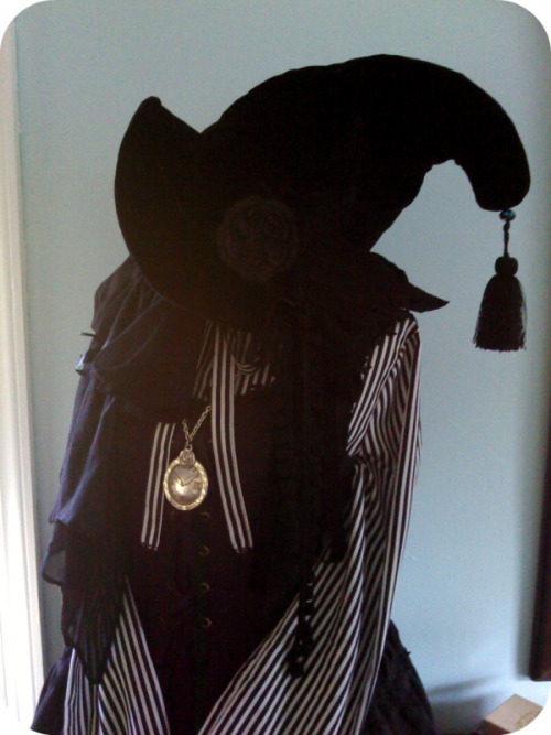 my witch hat… the tassel is my favorite part ♥